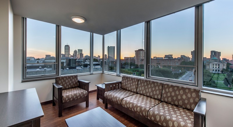 Wentworth Institute of Technology, Apartments @ 525 Huntington